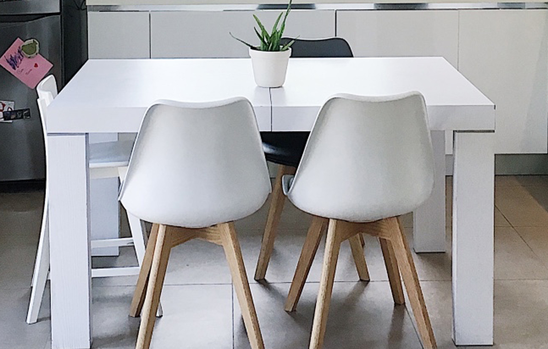 Stile scandinavo come arredare casa in maniera low cost mamma bonbon - Sedie per tavolo in legno ...