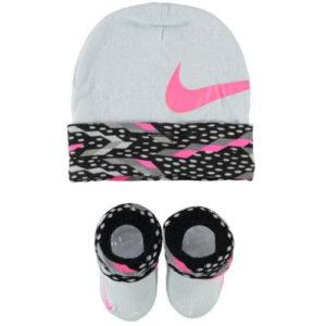 Cappellino e scarpine da neonato in tinta grigio e rosa