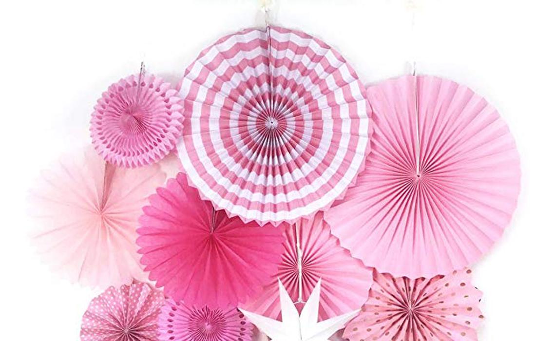 Decorazione da appendere per festa colore rosa diverse forme e dimensioni: ghirlande, ventagli e stelle
